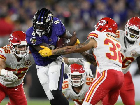 NFL BAD BEATS BLOG: Ravens' rally vs. Chiefs caps day for underdogs